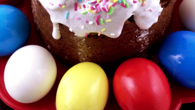 Easter cake and painted eggs video