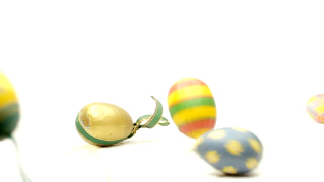 easter eggs falling video