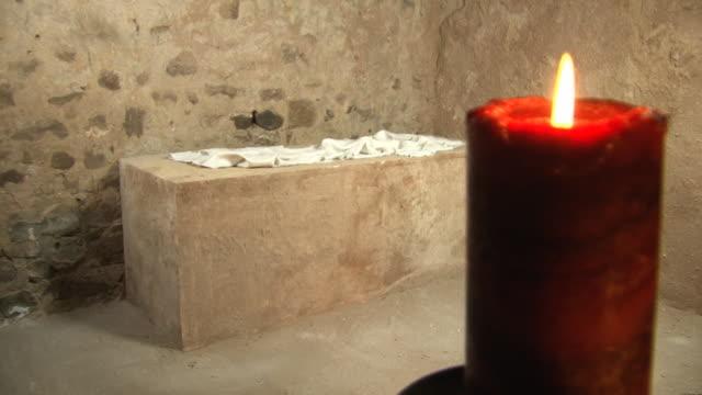 Easter Sunday Story - Jesus' Empty tomb inside, Resurrection video