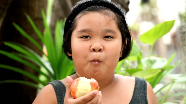 eating an apple video