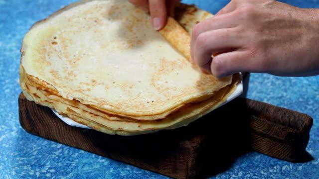 eating crepes - pancake video stock e b–roll