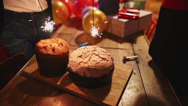 eating panettone for christmas in italy - panettone video stock e b–roll