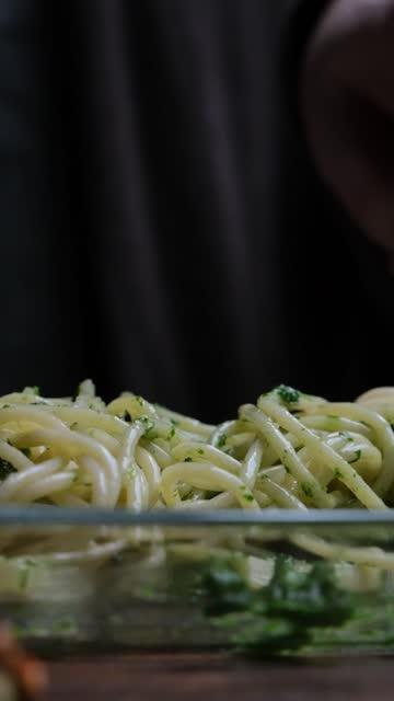 Eating spaghetti video