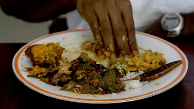 Essen mit hand – Video