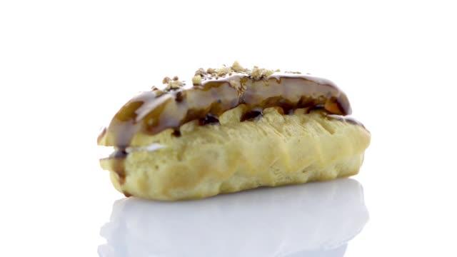 vidéos et rushes de eclair avec decoration au caramel - pâtisseries et feuilletés