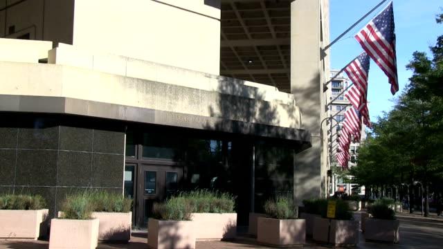 j. edgar hoover fbi building - quartiere generale video stock e b–roll