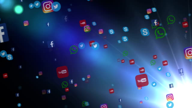 editorial animation: flying banners of the most popular social media in the world, such as facebook, instagram, youtube, skype, twitter and others. on a white blue background. - логотип стоковые видео и кадры b-roll