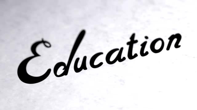 «L'éducation» sur la page. Séquences en boucle a la résolution 4K. - Vidéo