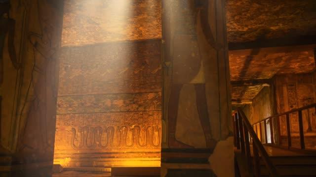 egyptisk grav och hieroglyfer i konungarnas dal, luxor - egyptisk kultur bildbanksvideor och videomaterial från bakom kulisserna