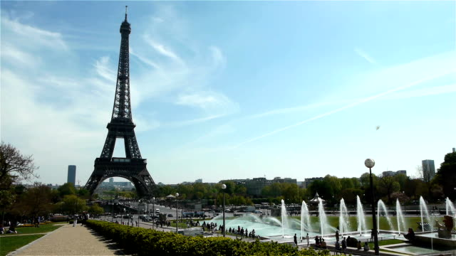 Eiffel tower and fountains at Paris, France video