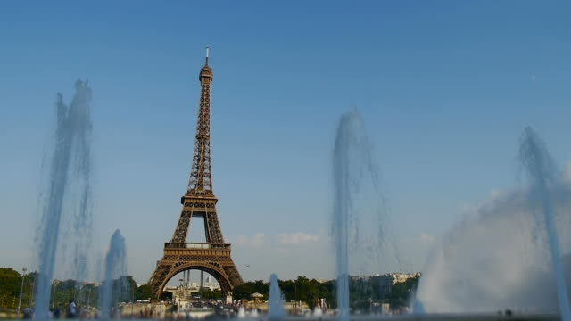 eiffel tower and fountains video