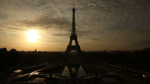 Eiffel tower in the morning sun video