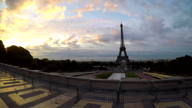 Eiffel Tower Time lapse at dawn