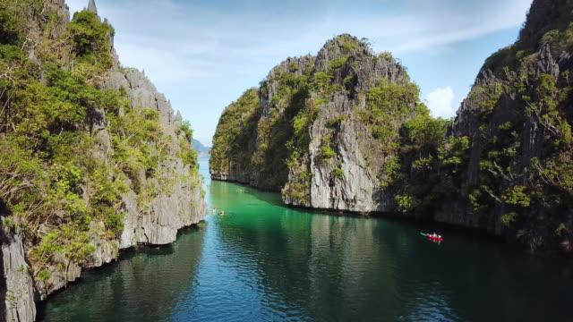 el nido big lagoon palawan filippine 4k drone video - filippino video stock e b–roll