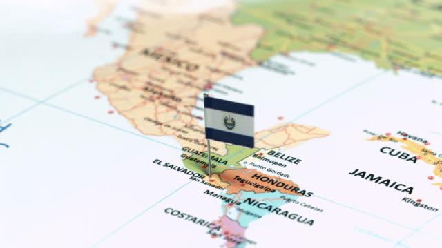 el salvador with national flag - латинская америка стоковые видео и кадры b-roll