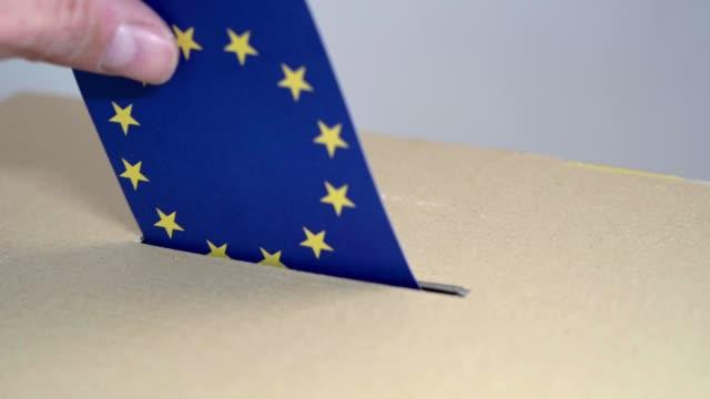 wahl in eu - abstimmung an der urne. - europäische union stock-videos und b-roll-filmmaterial