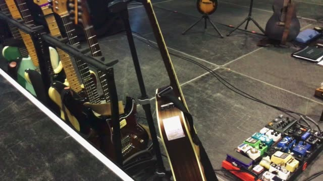 Electric acoustic guitars and pedals on stage video