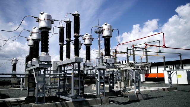 elektrisk kraftstation. kraftledningar. - generator bildbanksvideor och videomaterial från bakom kulisserna