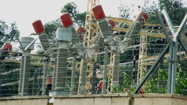 vídeos y material grabado en eventos de stock de electric estación. fondo industrial - generadores