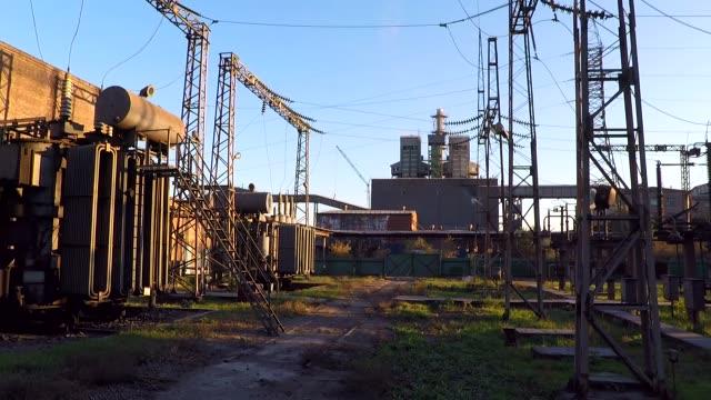 朝日に照らされて変電 - 石炭点の映像素材/bロール