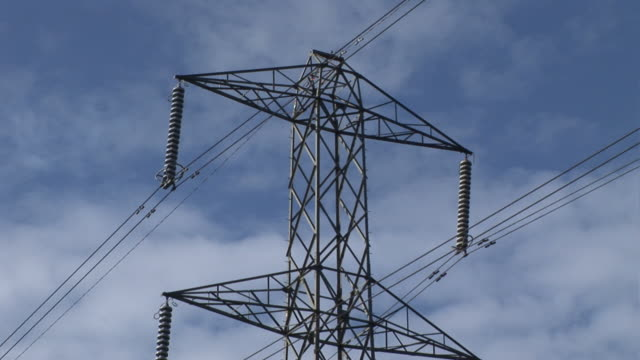 stockvideo's en b-roll-footage met electricity pylon - hd - supergeleider