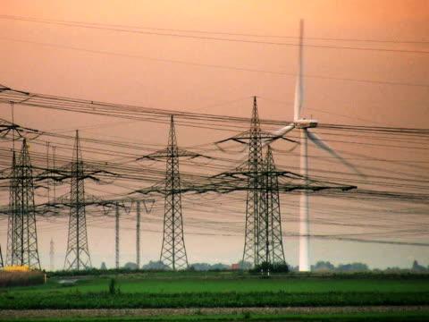 pal: forniture elettricità - attrezzatura energetica video stock e b–roll