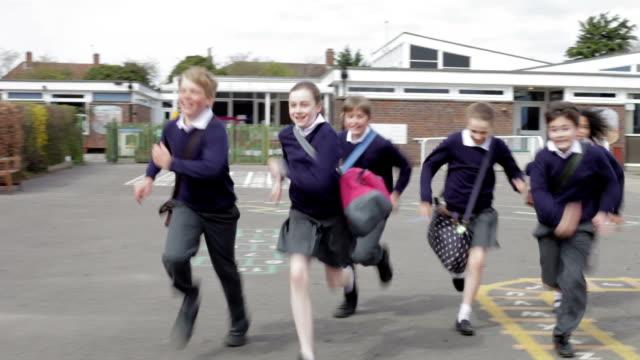小学校 Pupils ランニングにカメラ ビデオ