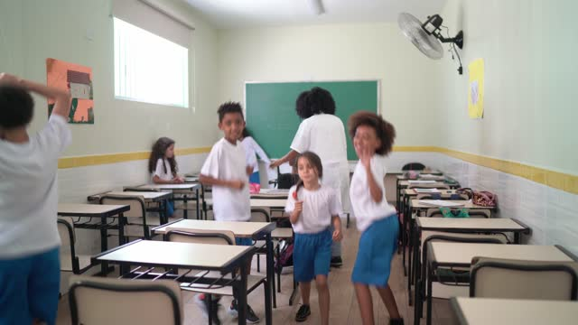 Elementary students dancing in the classroom video