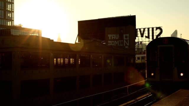 förhöjd city subway - billboard train station bildbanksvideor och videomaterial från bakom kulisserna