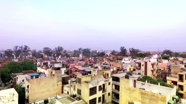 vídeos de stock, filmes e b-roll de vista de um elevado cidade - nova delhi