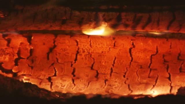 stockvideo's en b-roll-footage met embers, hd, ntsc, pal - minder dan 10 seconden