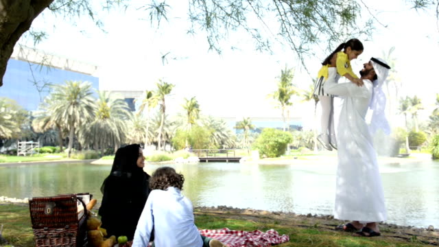 Emirati family at picnic video