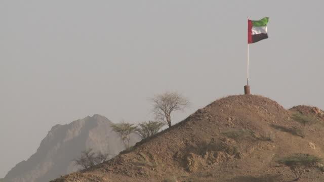 flaga emirati - uae flag filmów i materiałów b-roll