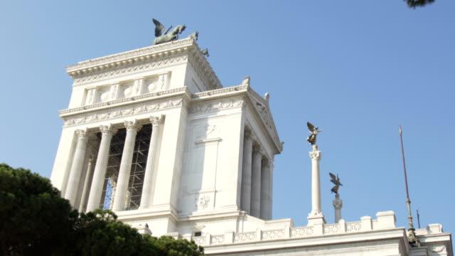 emmanuel ii monument and the altare della patria in rome, italy - milan fiorentina video stock e b–roll