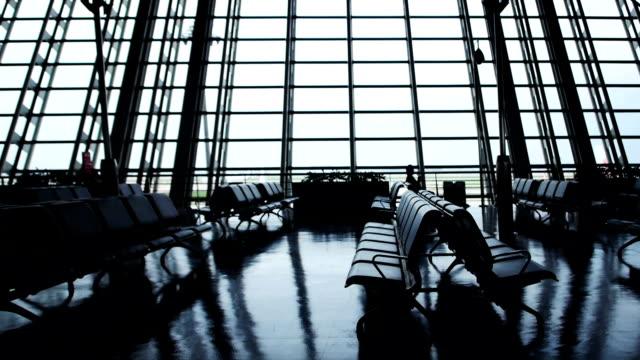 пустой аэропорта зоне слайдер движений - аэровокзал стоковые видео и кадры b-roll