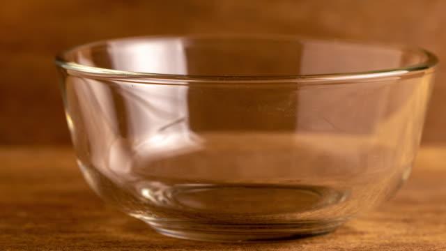 tom kopp - empty plate bildbanksvideor och videomaterial från bakom kulisserna