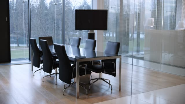 ds empty modern conference room - sala conferenze video stock e b–roll