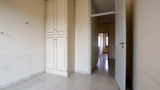 Empty old room and corridor in apartment for sale video