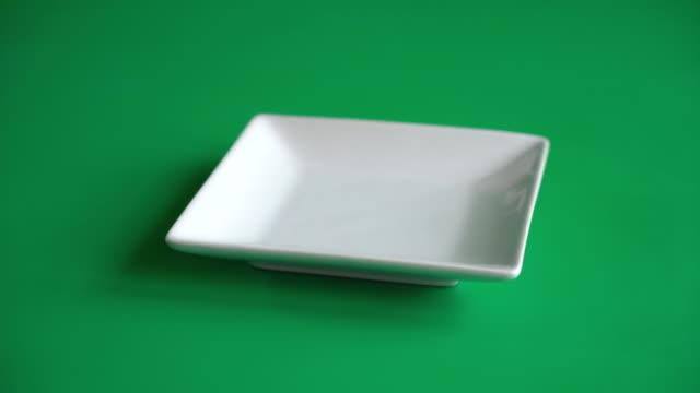 tom tallrik - empty plate bildbanksvideor och videomaterial från bakom kulisserna