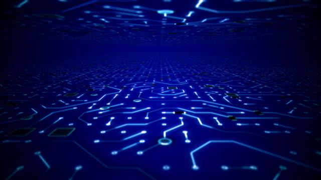 viaggio senza fine attraverso il loop di sfondo dell'ambiente del circuito blu intenso - scheda a circuito video stock e b–roll