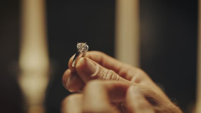 vídeos y material grabado en eventos de stock de anillo de compromiso  - prometido
