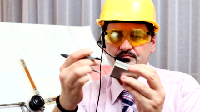 Ingénieur au travail - Vidéo