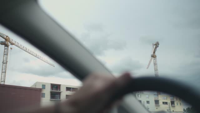 vidéos et rushes de ingénieur conduite de chantier - hlm
