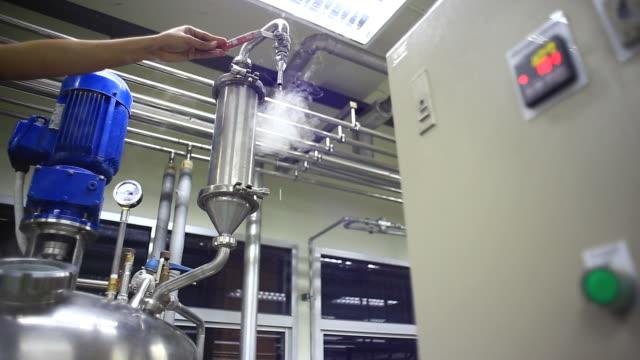 Engineer open pumping Steam video