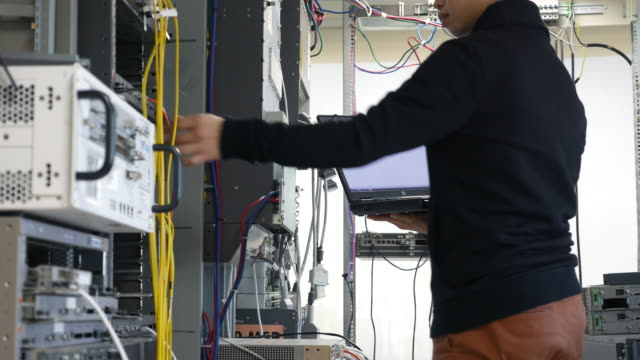 IT engineers are working in a data center video