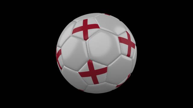 stockvideo's en b-roll-footage met engeland vlag op een bal draait op een transparante achtergrond, alfakanaal lus - sportartikelen
