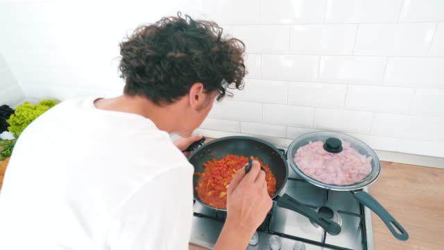 Ich koche. – Video
