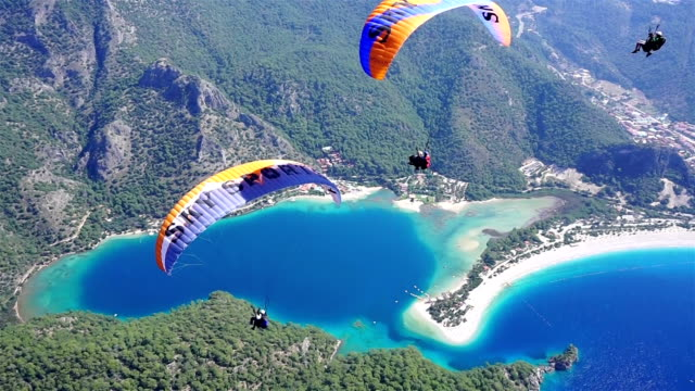 Enjoy the paragliding in Oludeniz.