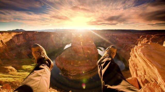 povはホースシュー ・ ベンドの景色を楽しんでください。 - 崖点の映像素材/bロール