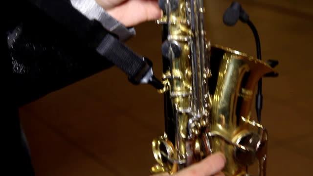 enjoying saxophone 03 video